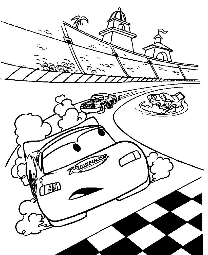 Раскраска Маквин на гонках
