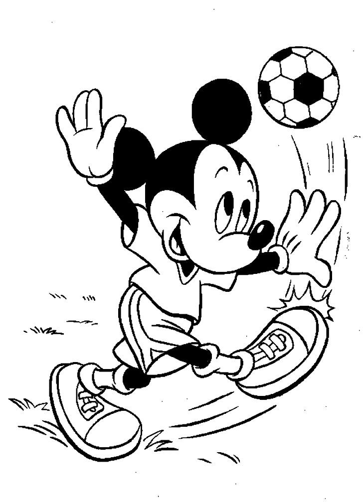 Раскраска Микки играет в футбол
