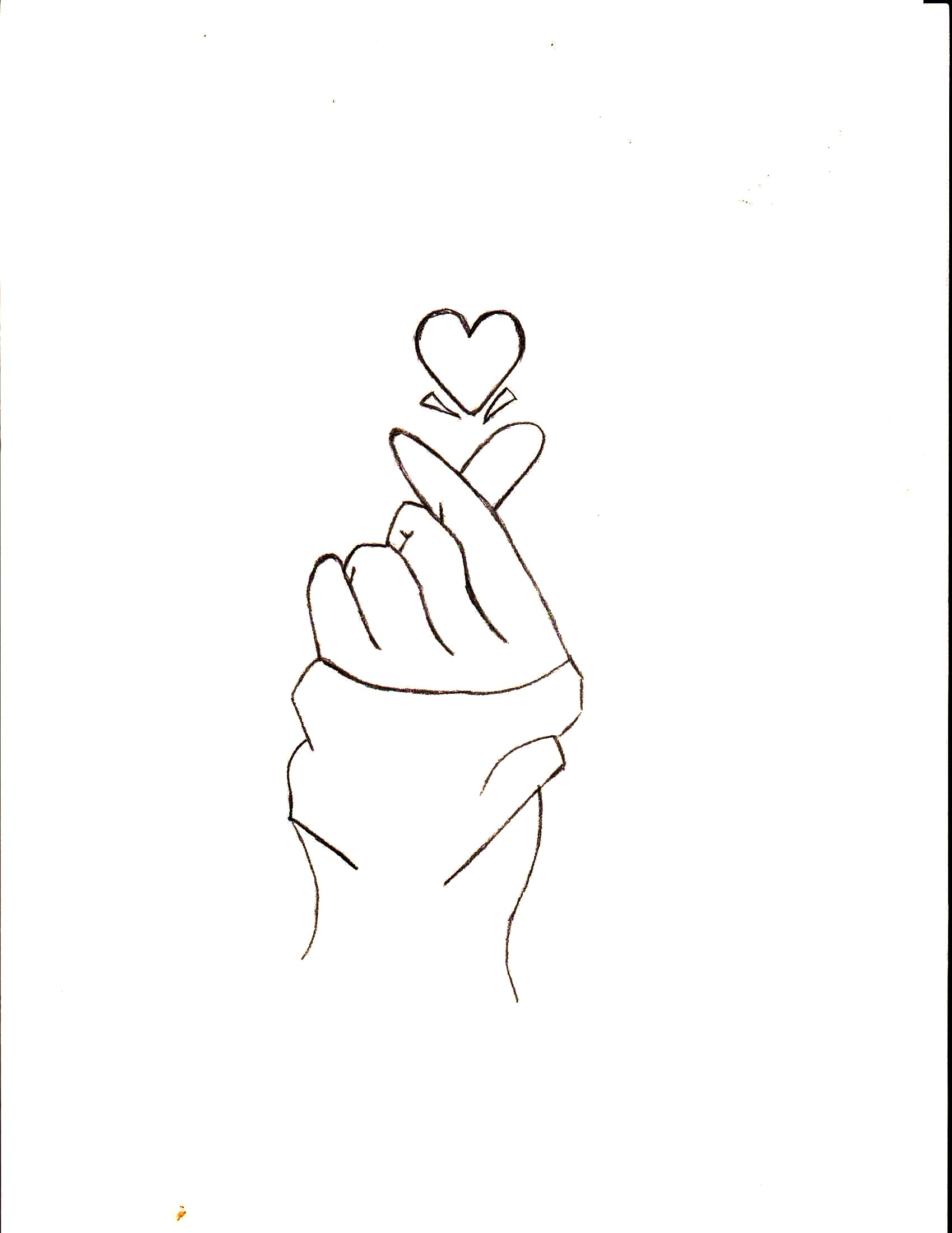 Раскраска рука и сердце