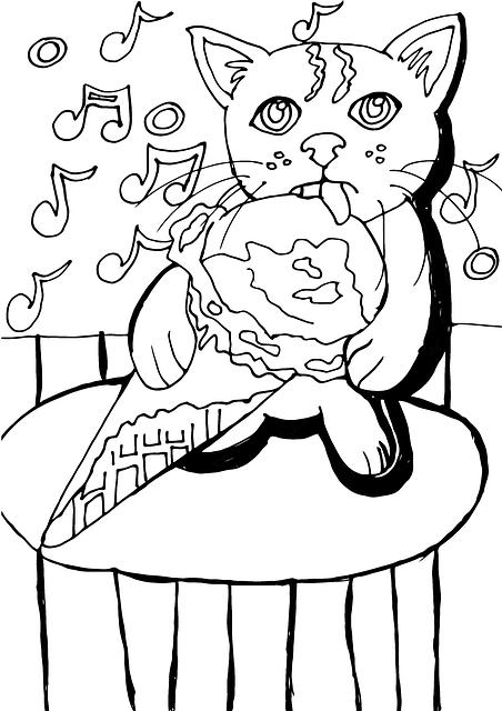 Кот любит мороженое
